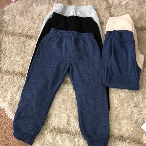 5 pair of Girl joggers
